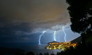 lightning overseeing through body of water